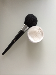 MUD Loose Powder Dior borstel open