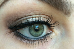 Golden brown smokey eyes