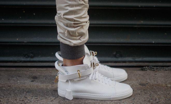 Witte sneakers trend