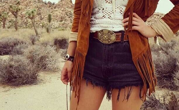 How to wear a fringed jacket