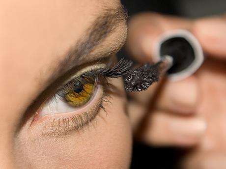 zes makeup tips tegen vermoeide blik